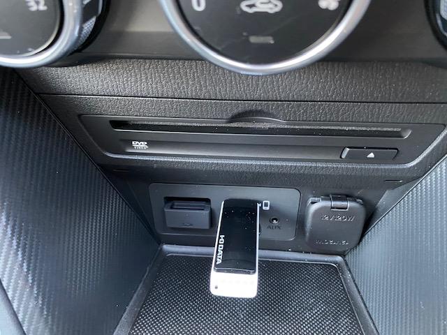 USB給電とメモリの差し込み