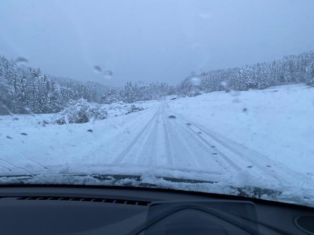 マツダ2雪道走行の写真